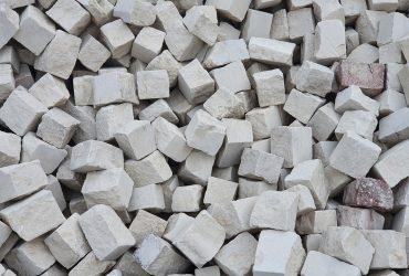 Kamień do ogrodu na ścieżki, murki – granit, wapień, piaskowiec